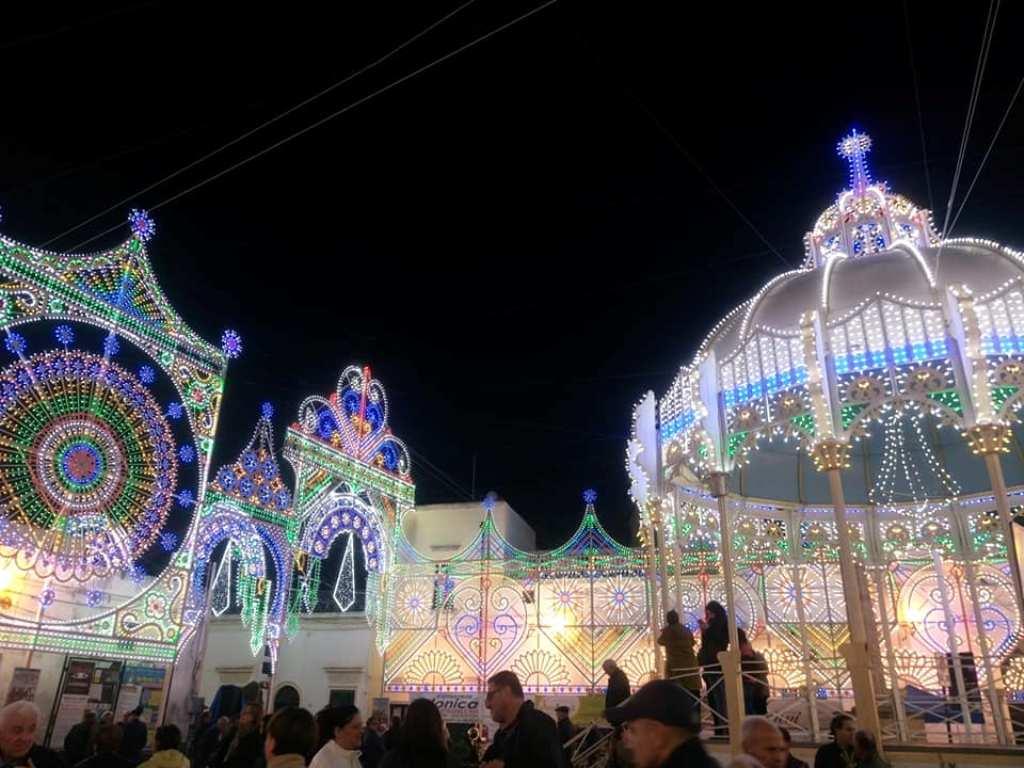 Taviano, η πολύχρωμη «πόλη των λουλουδιών» τουSalento