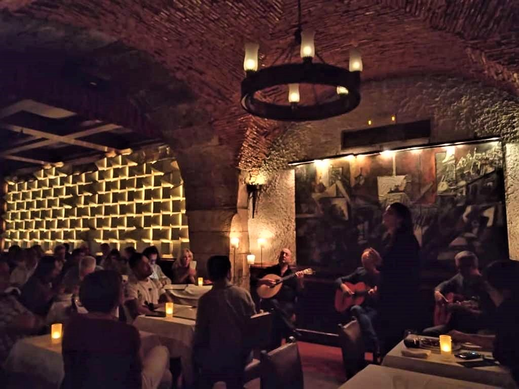 «Café Luso», η κοιτίδα των fados στηνΛισαβόνα!