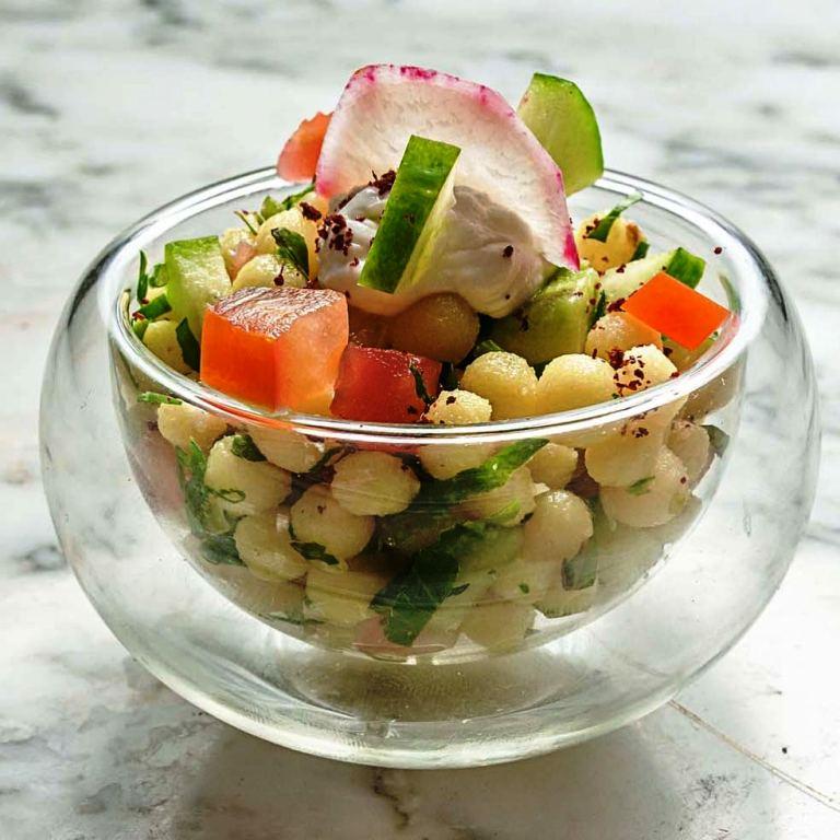 Τα μυστικά της Κουζίνας του Λιβάνου στην Etoile, από τους Chefs JoeBarza και CharlesAzar