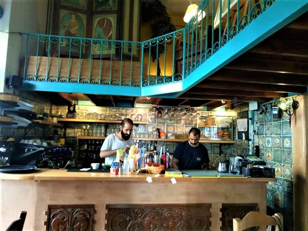 «Μουσικό Καφενείο» Μυτιλήνης, εκεί που οι γεύσειςτραγουδούν