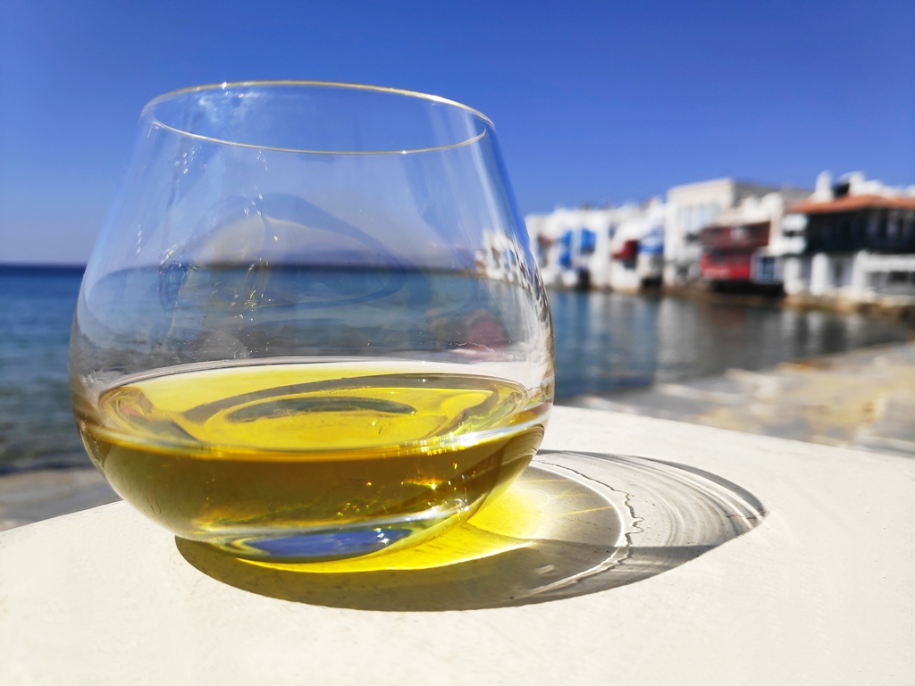 Mykonos Olive Oil Tasting: a gastronomic tour in Greece through the aromas and flavours of the Extra Virgin Olive Oils
