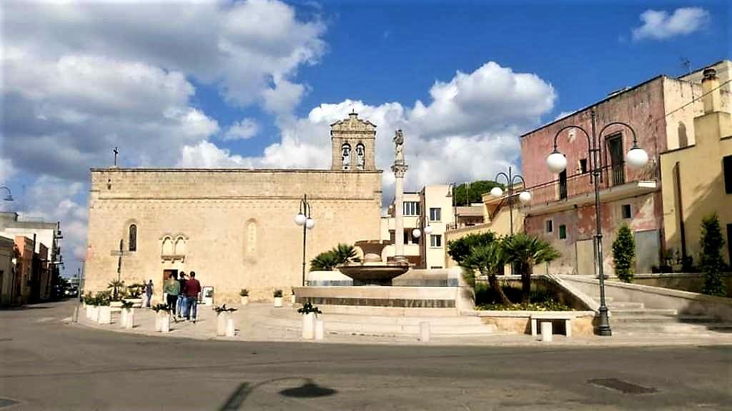 Taurisano στην Puglia, η πόλη του ταύρου τα «σπάει» με την γοητείατης