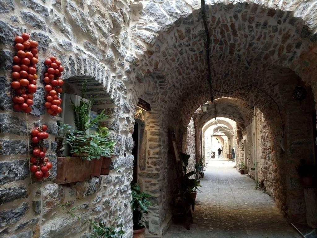 3 Μαστιχοχώρια – στολίδια της Χίου: Μεστά, Ολύμποι,Πυργί